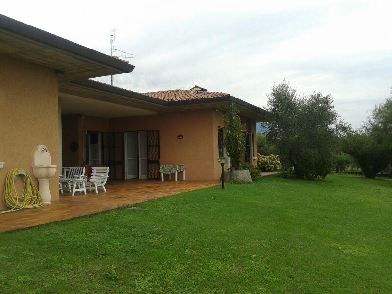 Villa zum Verkauf in San Felice del Benaco