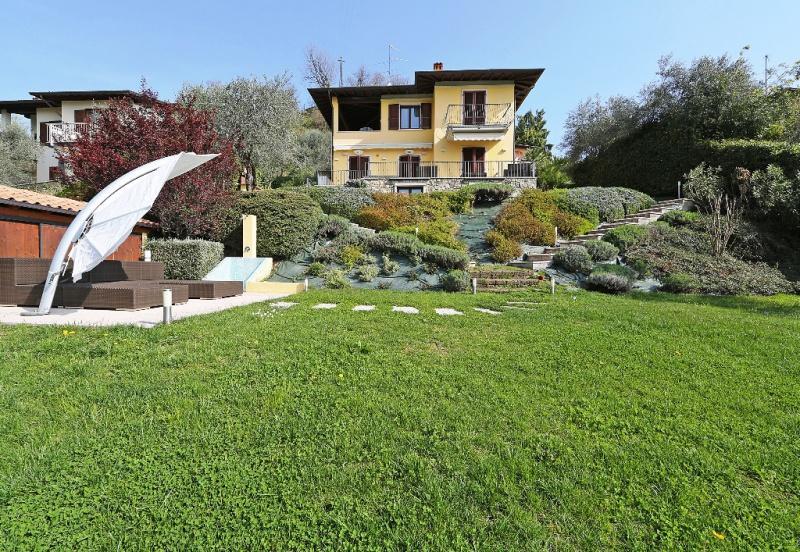 Villa zum Verkauf in Gardone Riviera