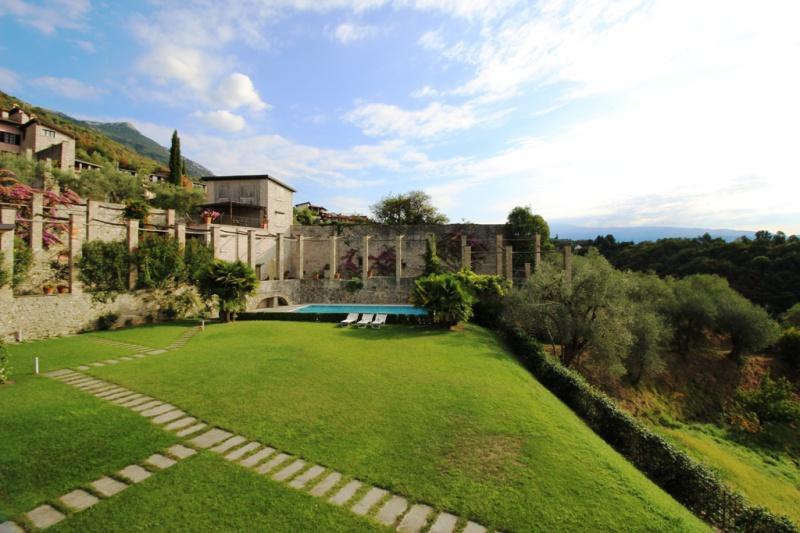 Dreizimmerwohnung zum Verkauf in Gardone Riviera (Ref. 187)