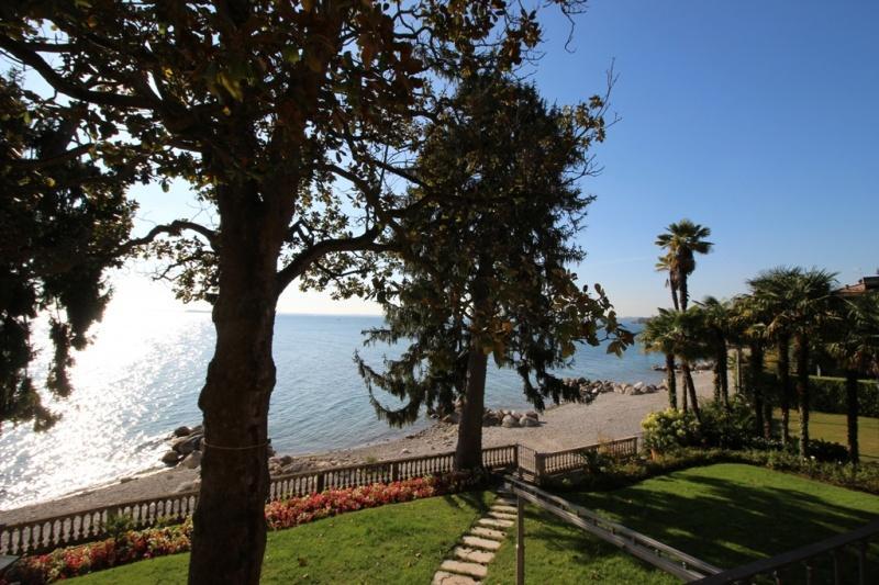 Villa zum Verkauf in Manerba del Garda (Ref. 200)