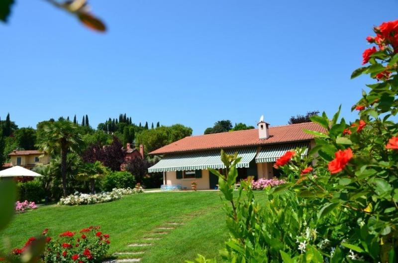 Villa zum Verkauf in San Felice del Benaco (Ref. 207)