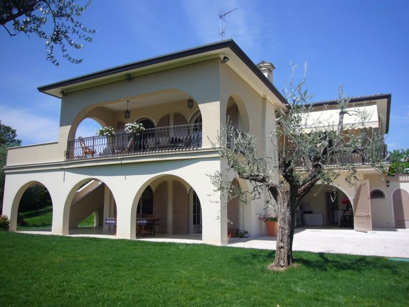 Villa zum Verkauf in Manerba del Garda (Ref. 208)