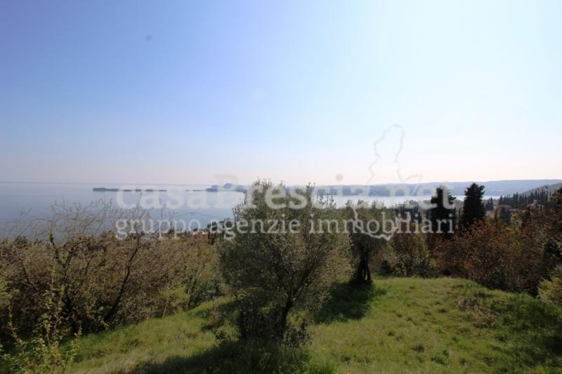 Terreno edificabile vista lago in Vendita a Gardone Riviera