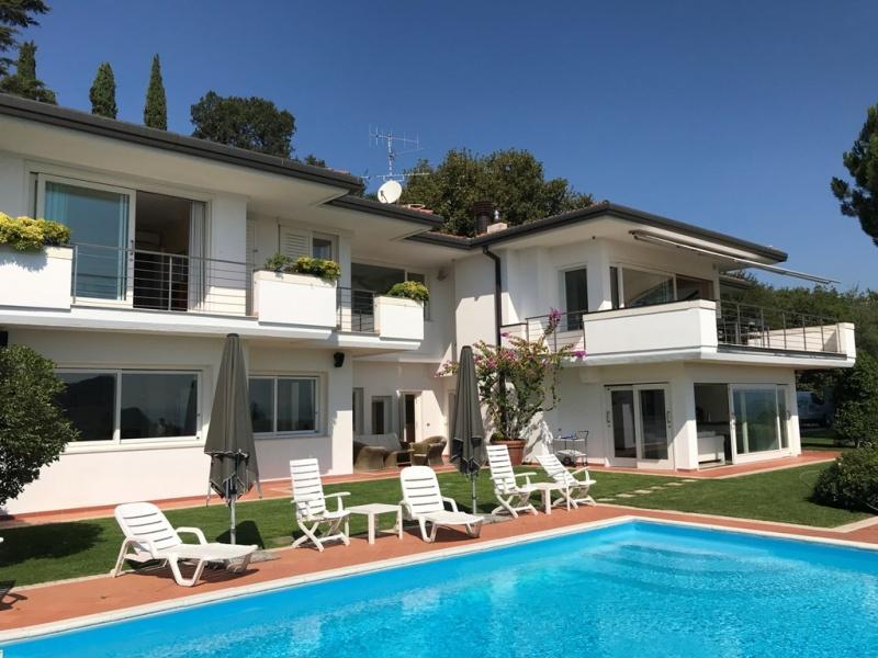 Villa zum Verkauf in Manerba del Garda (Ref. 270)